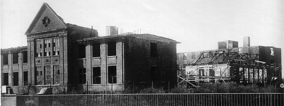 Ausgebombtes Seminar in Hamburg 1943